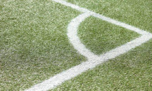 サッカーコートの角