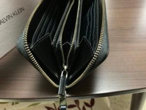 財布の中側ファスナー