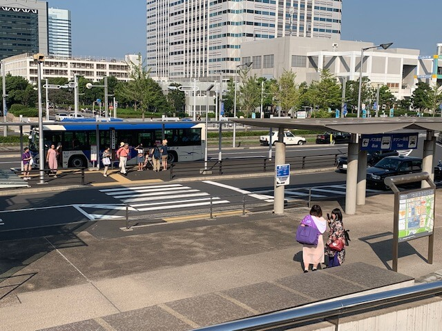 幕張メッセ中央バス停