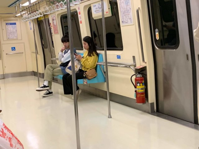 台北MRTの車内