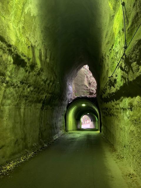 向山二階建てトンネル